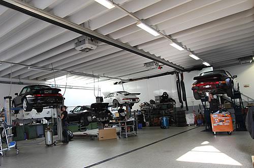 Garage de bellevaux centre service porsche neuch tel for Garage peugeot portugal